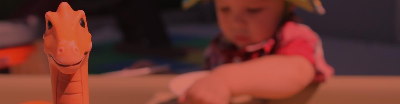 enfant à la ludothèque de sainte-foy